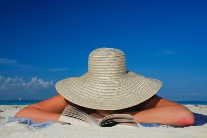 Beach_reading_c